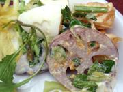 伊予柑と有機セリとゆでたまごのベトナム風サラダ