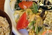 熊本県産有機トマトと有機キャベツと卵のオイスター炒め