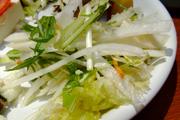 ぱりぱり有機大根と有機レタスのサラダ