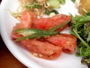 旬の有機トマトと有機おくらのハーブ和え