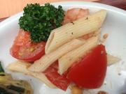 小エビと有機フレッシュトマトの冷製ペンネ