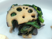 有機蓮根と有機菜の花の辛子醤油和え