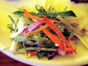 ゆで卵入り カラフルマカロニサラダ