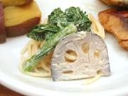 スパゲッティーと有機菜の花の辛子マヨネーズ和え