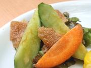 有機きゅうりと有機サニーレタスの和風サラダ