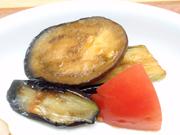 有機揚げ茄子の煮びたし トマト添え