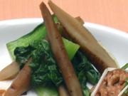 有機チンゲン菜と有機牛蒡の辛子醤油和え