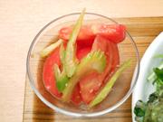 真っ赤な有機トマトと有機セロリのおひたし