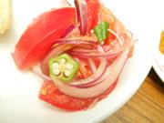 有機トマトと赤玉ネギのマリネ