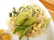 有機青菜と有機豆もやしの塩ナムル