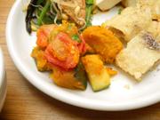 するめイカと有機夏野菜のガーリックハーブ焼き